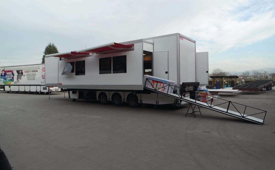Mobile Training Trailer And Truck Vehicle