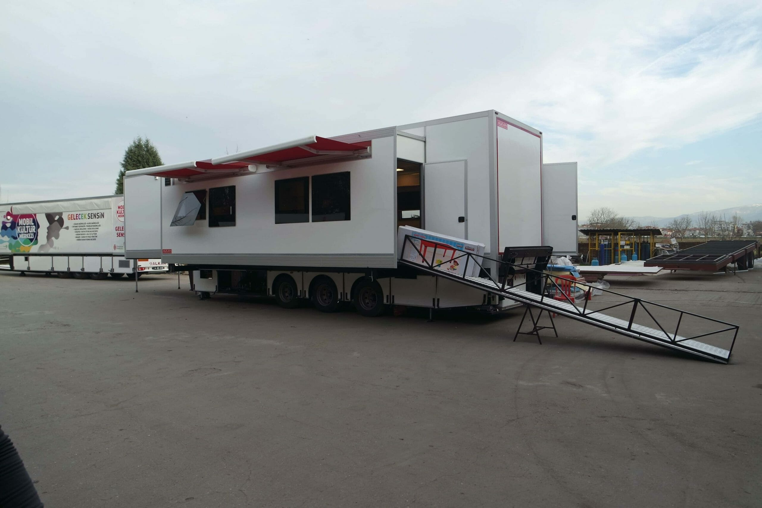 Mobile Nursery Vehicle Trailer Starts Service.