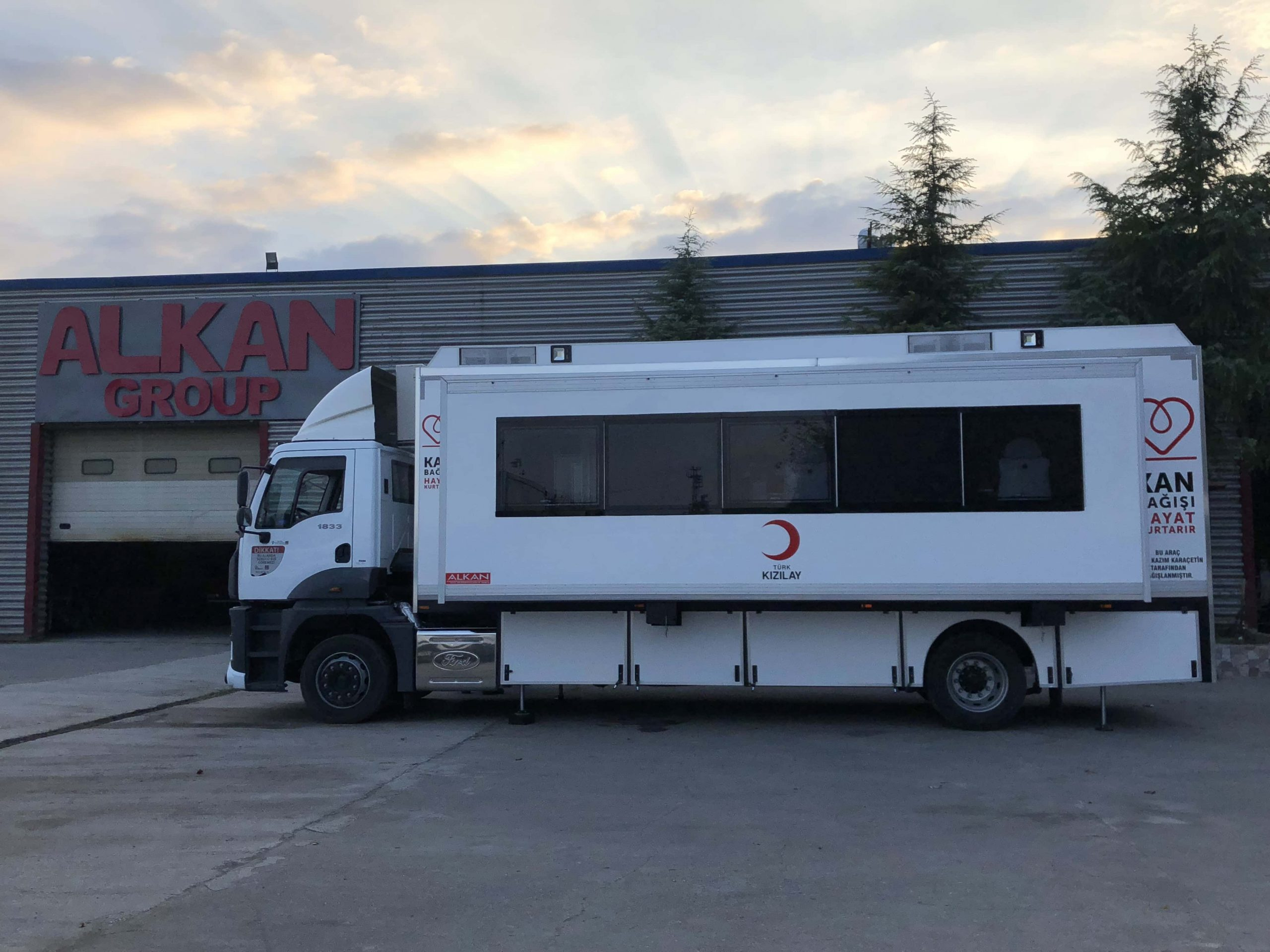 mobile-blood-donation-vehicle-trailer-6-scaled.jpg