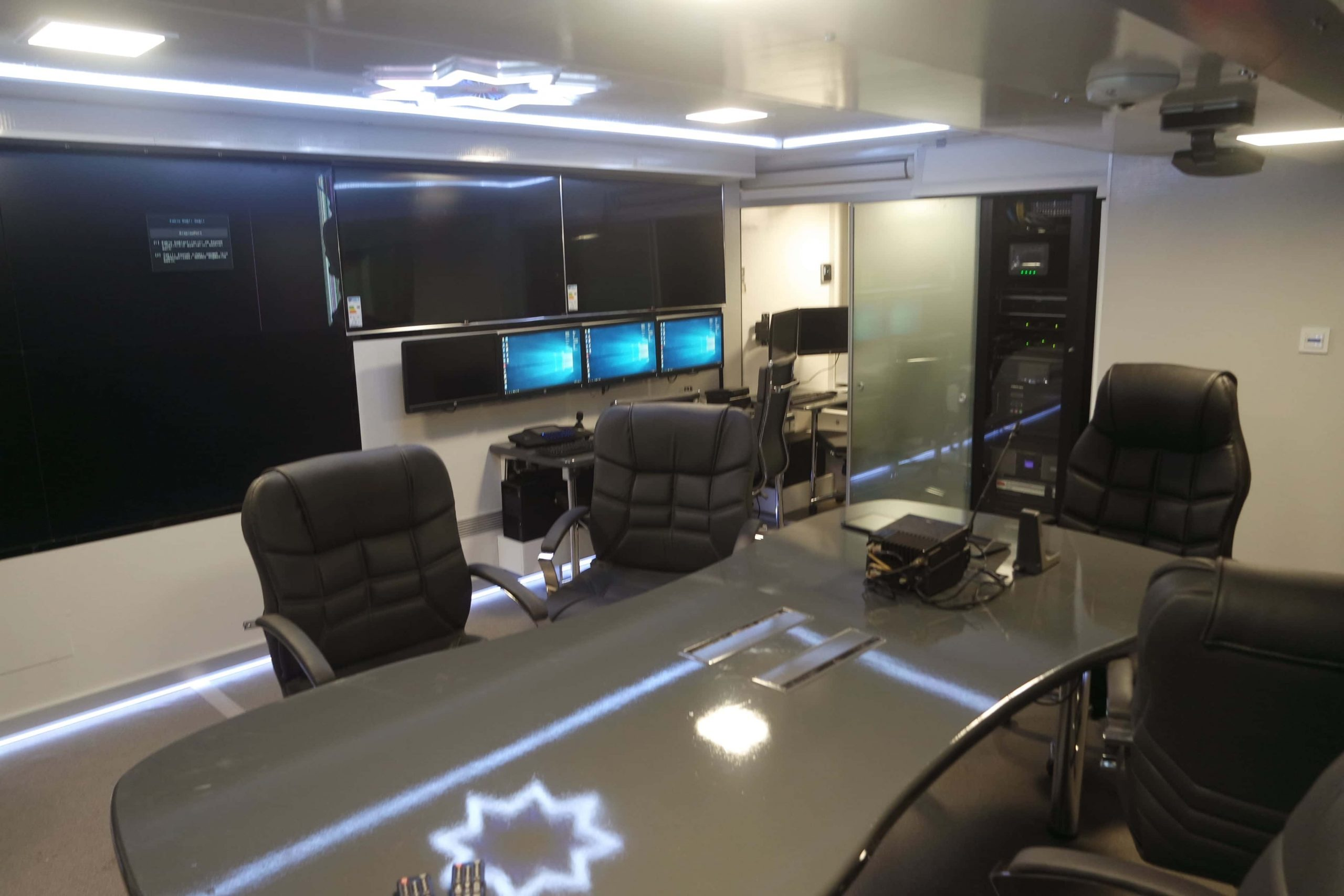mobile-command-center-vehicle-truck-4-scaled.jpg
