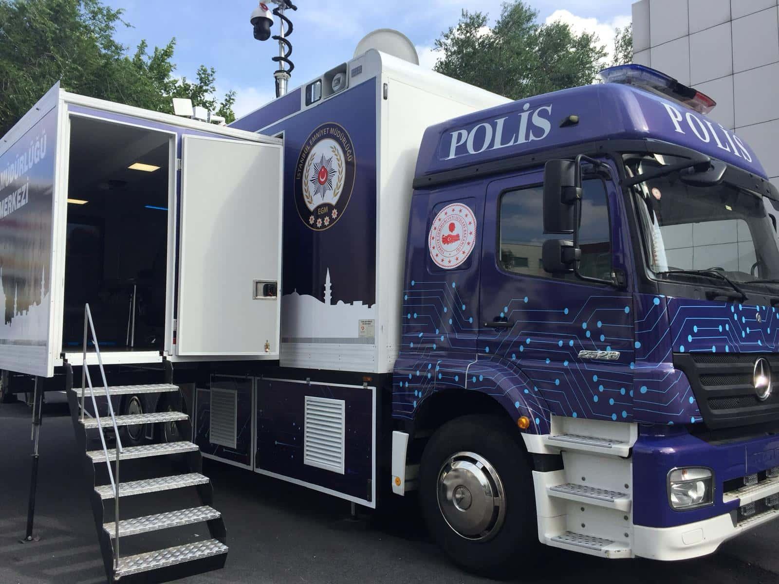mobile-command-center-vehicle-truck.jpg