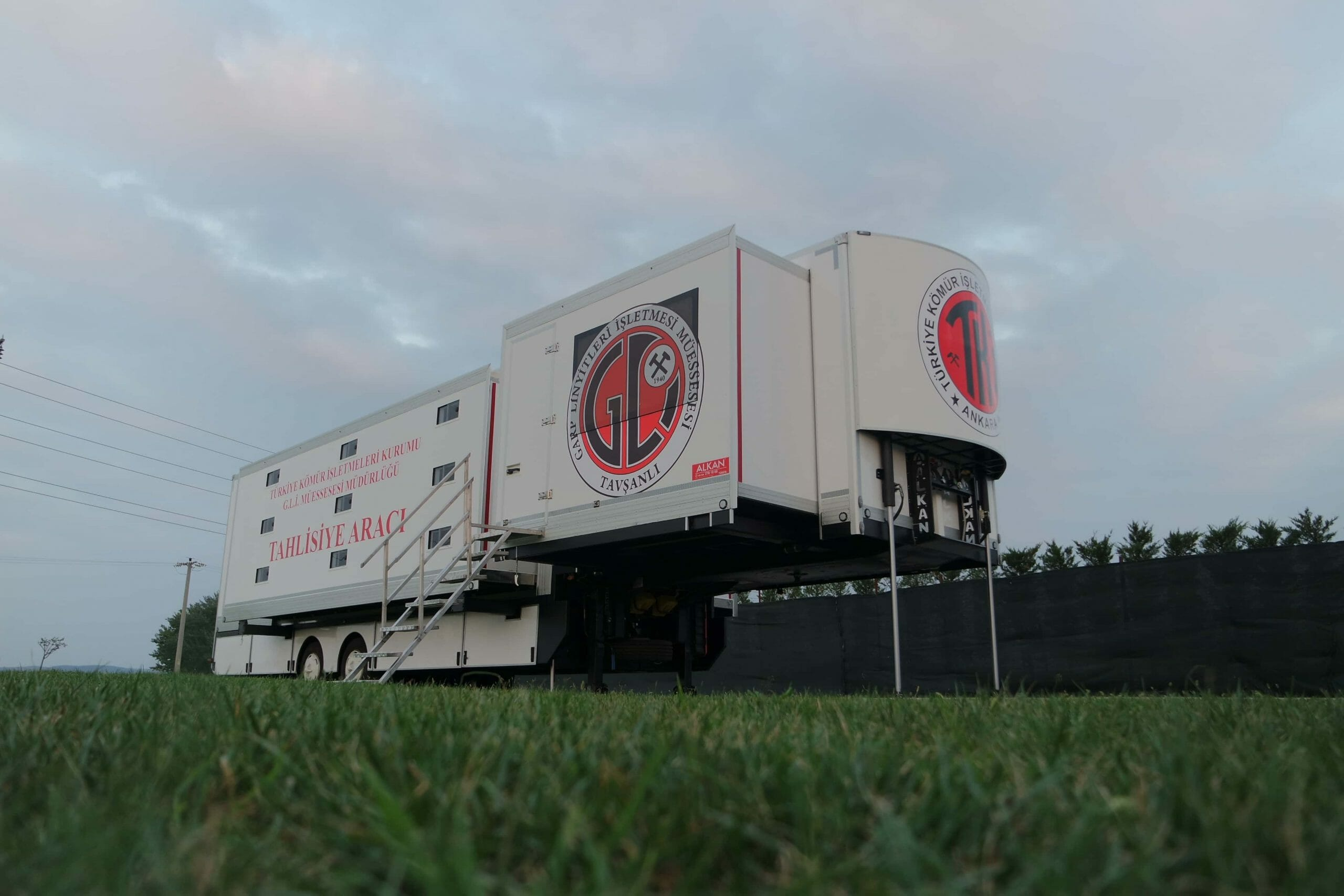 mobile-dormitory-trailer-vehicle-6-scaled.jpg